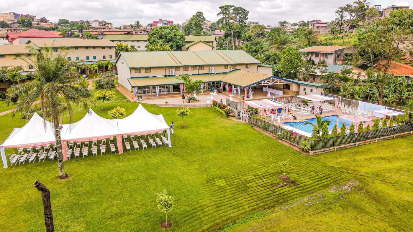 Mariage en plein air à Yaoundé
